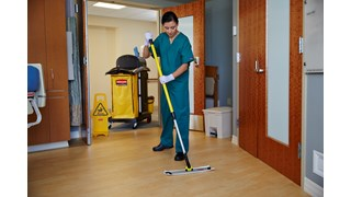 The Rubbermaid Commercial HYGEN™ Quick-Connect handles and poles make cleaning more efficient in every area of the facility. The unique connection mechanism allows for easy, time-saving tool exchange.