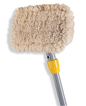The wall washer kit features an aluminum handle with a pivoting head for smooth, even control. The raised-ribbed design works with either side pressure or downward pressure mop wringers, and the pads can be removed easily for convenient washing, making them ideal for commercial use.