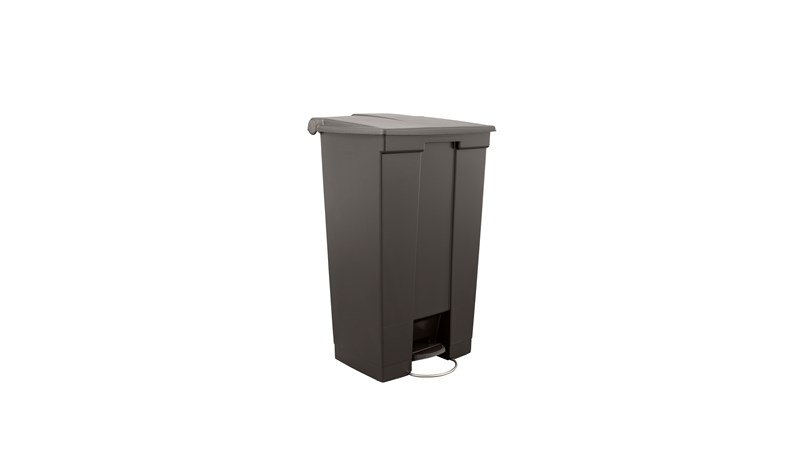 The Rubbermaid Commercial Legacy Step-On Container provides sanitary waste management. The step-on foot pedal reduces contamination and improves working conditions.