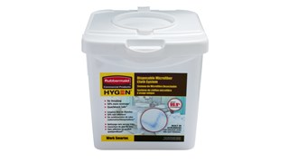 The Rubbermaid Commercial HYGEN™ Disposable Microfiber Cloth Charging Tub effectively moistens 80 HYGEN™ Disposable Microfiber Cloths.