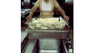 The Rubbermaid Commercial Colander/Drain Tray/Tote Box is a clear, break-resistant drain tray for thawing foods or marinating foods.